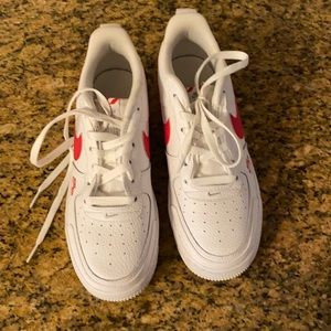 Air Force 1 Low Utility White/Red 7Y/8.5W